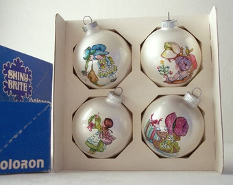 shiny brite christmas ornament - 1970s white glass ornament with shrink wrap design - set of sixteen