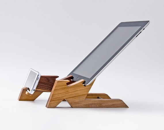 dual dock station ipad stand wooden tablet stand. Black Bedroom Furniture Sets. Home Design Ideas
