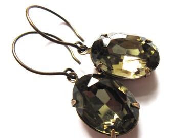 Oval Claw Set Earrings Smoky Glass Vintage Style Retro Fashion Jewelry