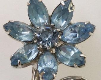 Vintage jewelry brooch Juliana style blue rhinestones in silver tone 1950s brooch