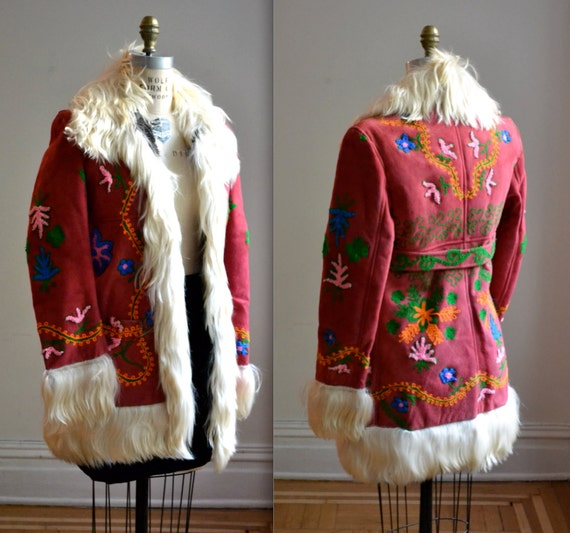 Vintage Embroidered Shearling Jacket Size Small// Vintage 70s