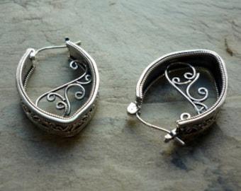 Silver earrings, gypsy earrings, Filigree Earrings, Hoop Earrings, Ethnic Earrings, boho Earrings, hippie earrings, unique earrings for her