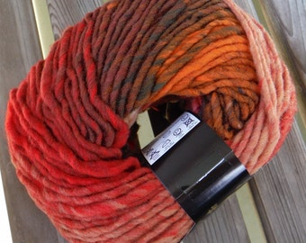SUPER BULKY Weight Yarn - Noro Hitsuji - Red Kaito (#05) - 100g / 110 yards - Wool