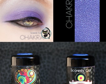 Eye Shadow Glittery Bright Purple Violet - Loose Mineral Pigment Eyeshadow - Scaredy Cat  - CHAKRA - 5 mL Sifter