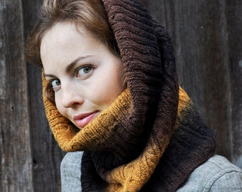 100% Wool handknitted cowl, snood, from kauni yarn. Handmade.