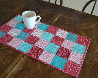 "Quilted Table Runner Red White Turquoise (12"" x 24"")"