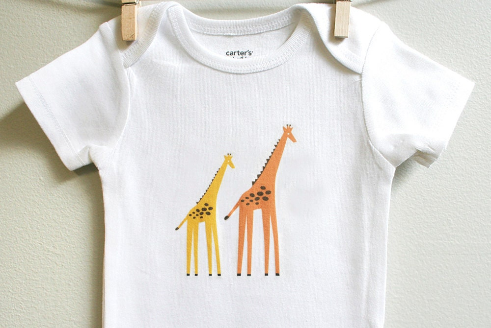 Little Giraffe premium baby boutique - luxury baby blankets, baby clothing, baby gifts, throw blankets and more.