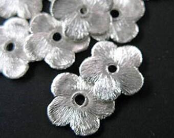 10 of Karen Hill Tribe Silver Brushed Flower Disc Beads 10 mm. :ka3024