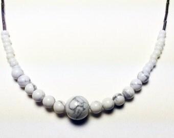 Short howlite necklace
