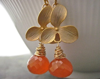 Gold Flower and Carnelian Wire Wrapped Handmade Earrings in Gold, Orange Gemstone Handmade Earrings