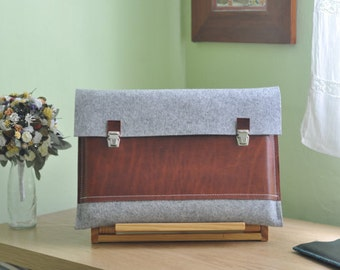 11 inch MacBook case / Macbook Pro 11 Air Case / 11 Macbook Air Bag / Macbook Pro Air - Light grey felt & dark brown leather