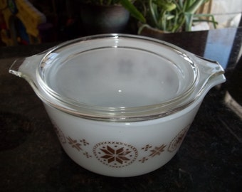 Town and Country Pyrex#473, 1 Quart/ 1 Liter, Vintage, Casserole Dish, Baking Dish, Bowl with lid