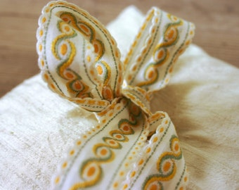 Ring Bearer Pillow- Ivory Dupioni Silk with Cheerful Vintage Trim Tie in Yellow and Avocado- Wedding