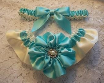 Aqua Blue Wedding Garter Set, Something Blue Bridal Garter Set with Pearl and Rhinestone Centers, Robin Egg Blue Bridal Garter Set