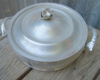 Aluminum Serving Bowl with Lid, Hammered Aluminum Serving Dish with Handles
