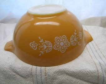 Pyrex Butterfly Gold Pattern Bowl, collectible Pyrex
