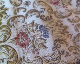 Vintage Pale Pink and Blue Soft Floral Tapestry - Linen - Doily Brocade