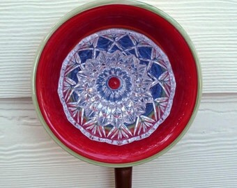 Plate flower, garden art, yard art, garden sculpture, flower, suncatcher, fence decor, wall decor, red, blue, green