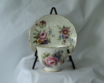 Vintage Tea Cup Aynsley Fine Bone English China Teacup and Saucer with Pink Roses