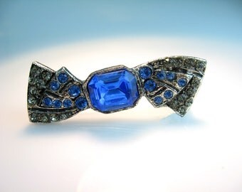 Art Deco Jewelry. Bow Pin. Rhinestone Brooch. Sapphire Blue Rhinestones. Vintage Geometric Jewelry.