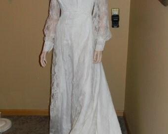 Audrey Hepburn 1960s Wedding Gown. SKINNY MINNIE Wedding Dress .TULLE .Empire Waist .fairytale long Train.Amazing lace detailing