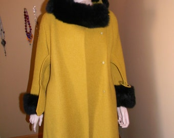 MILTON'S Brand Fine Virgin Wool .Black fur faux trim. Mint Condition 3/4 sleeve. MAD MEN original.1960s Vintage Ladies Mustard Swing Coat .