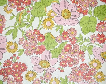 Retro Wallpaper by the Yard 70s Vintage Wallpaper - 1970s Pink Coral Red and Green Floral on White