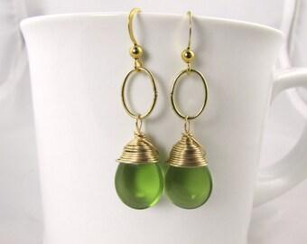 cute peridot glass teardrop and gold  oval ring drop dangle earrings