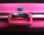 Vintage ROYAL TRAVELLER Bright Hot Pink Suitcase Luggage
