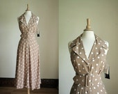 Vintage 80s tan polka dot dress// midi length// medium