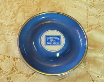 Moninger Beer graniteware dish advertising in German language vintage breweriana