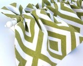 CLEARANCE - was 28 CHEVRON Valance Curtains Green Cream White Zig Zag 44 inches wide