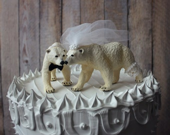 Polar bear-customized-family-wedding-cake topper-winter-bear-lover-bride-groom-baby-animal-woodland-polar bears-zoo-themed-Mr and Mrs-bride