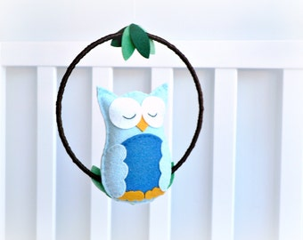 Owl mobile - baby mobile  - woodland mobile - nursery decor - MADE TO ORDER