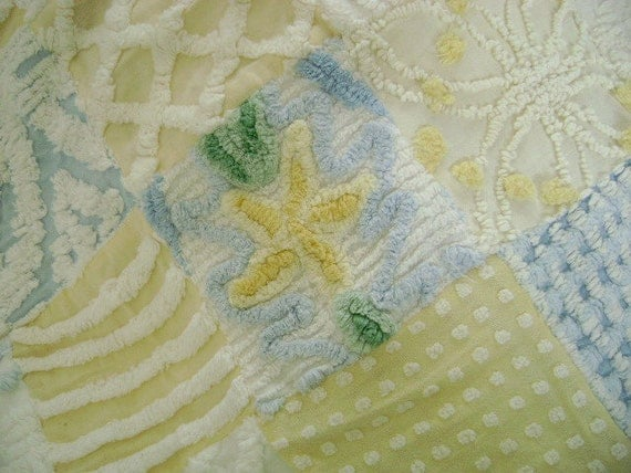 "PRETTY Baby - Vintage Chenille Quilt,  Baby, Crib or Throw - 36"" x 36"""