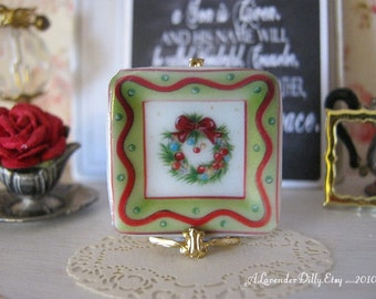 Christmas Wreath Square Plate for Dollhouse
