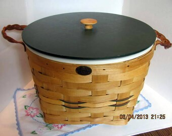 Peterboro Large Picnic Basket  with Lid