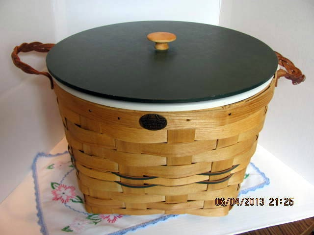 peterboro large picnic basket with lid. Black Bedroom Furniture Sets. Home Design Ideas