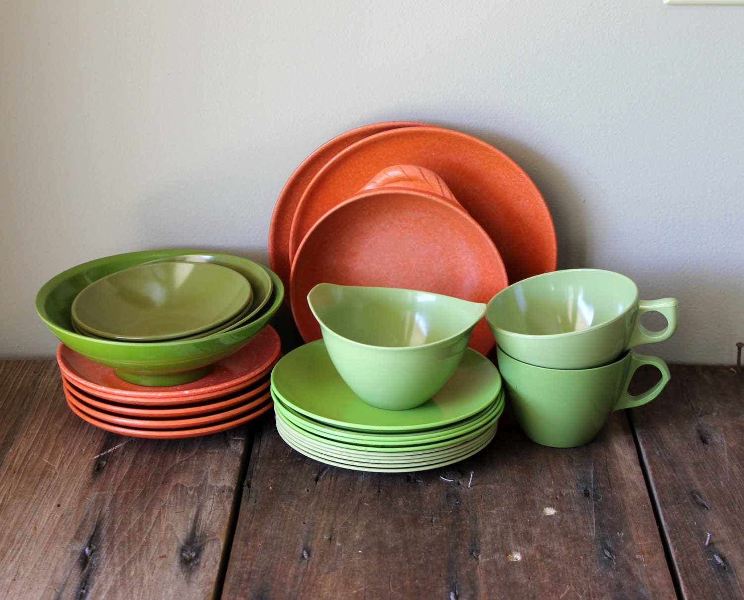 orange green melmac dishes vintage set by thesquirrelcottage. Black Bedroom Furniture Sets. Home Design Ideas