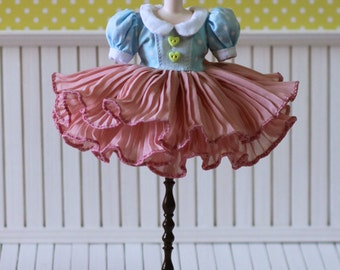 PO - Anniedollz Blythe Outfits Pleats One Piece Dress - Cranberry Jam