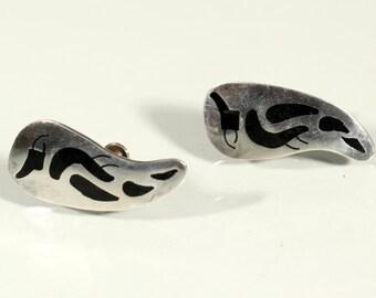 Vintage 70s Earrings Sterling Earrings Enamel Earrings Black Enamel Abstract Earrings Screw Clasp  Mexican Jewelry