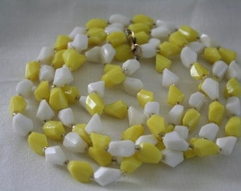 Vintage Limey Yellow Beaded Flapper Sweater Necklace