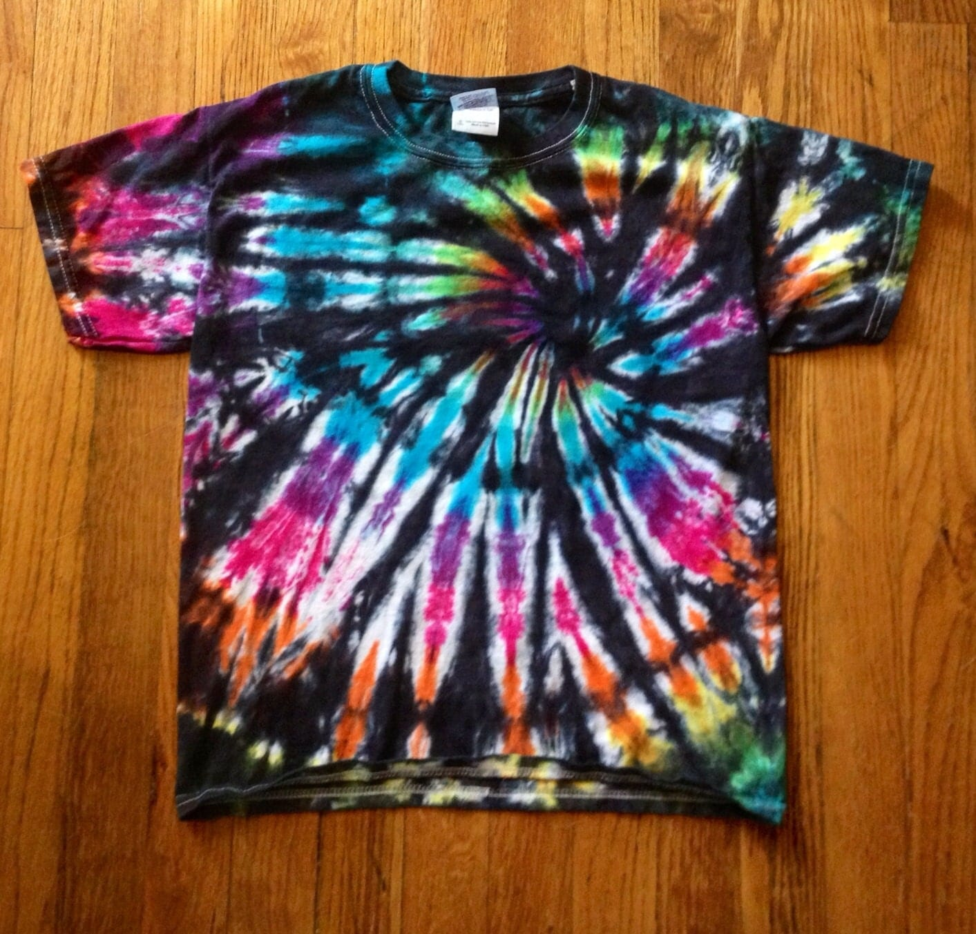 Bright spiral tie dye t shirt hippie clothes by 2dye4designs - Tie and dye colore ...