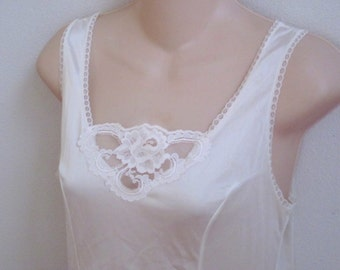 Vintage full slip white nylon chemise nightgown 34 bust