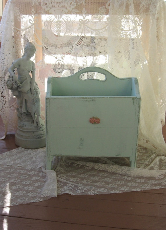 shabby chic magazine rack vintage mint green chippy. Black Bedroom Furniture Sets. Home Design Ideas