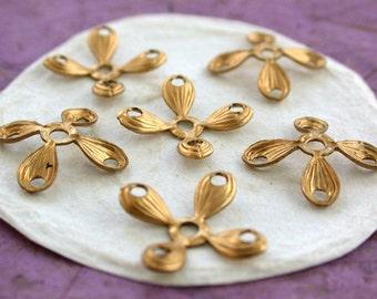 Brass Stampings, Brass Flower Stampings, Metal Stamped Flowers, Vintage Style Metal Flowers, Vintage Style Metal Flowers STA-128