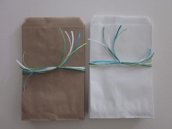 Small Kraft paper bag or off white paper bags set of 20 plain bags --- Use them for your party favors, birthday party or wedding favor