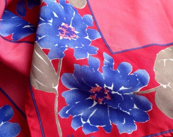 Vintage VERA NEUMANN Floral Scarf with Pink and Purple Colours
