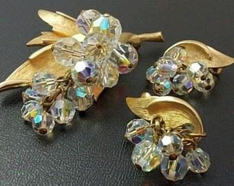 Brooch Earring Set Crystal Glass Dangling Beads Leaf Design Gold Metal Vintage Designer Set