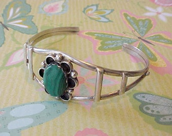 Very Pretty Vintage Native American Made Sterling Cuff Bracelet Set with Malachite
